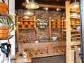 Weekeind Amsterdam: overal kaaswinkels. Mooie reclame voor de melkveehouderij!